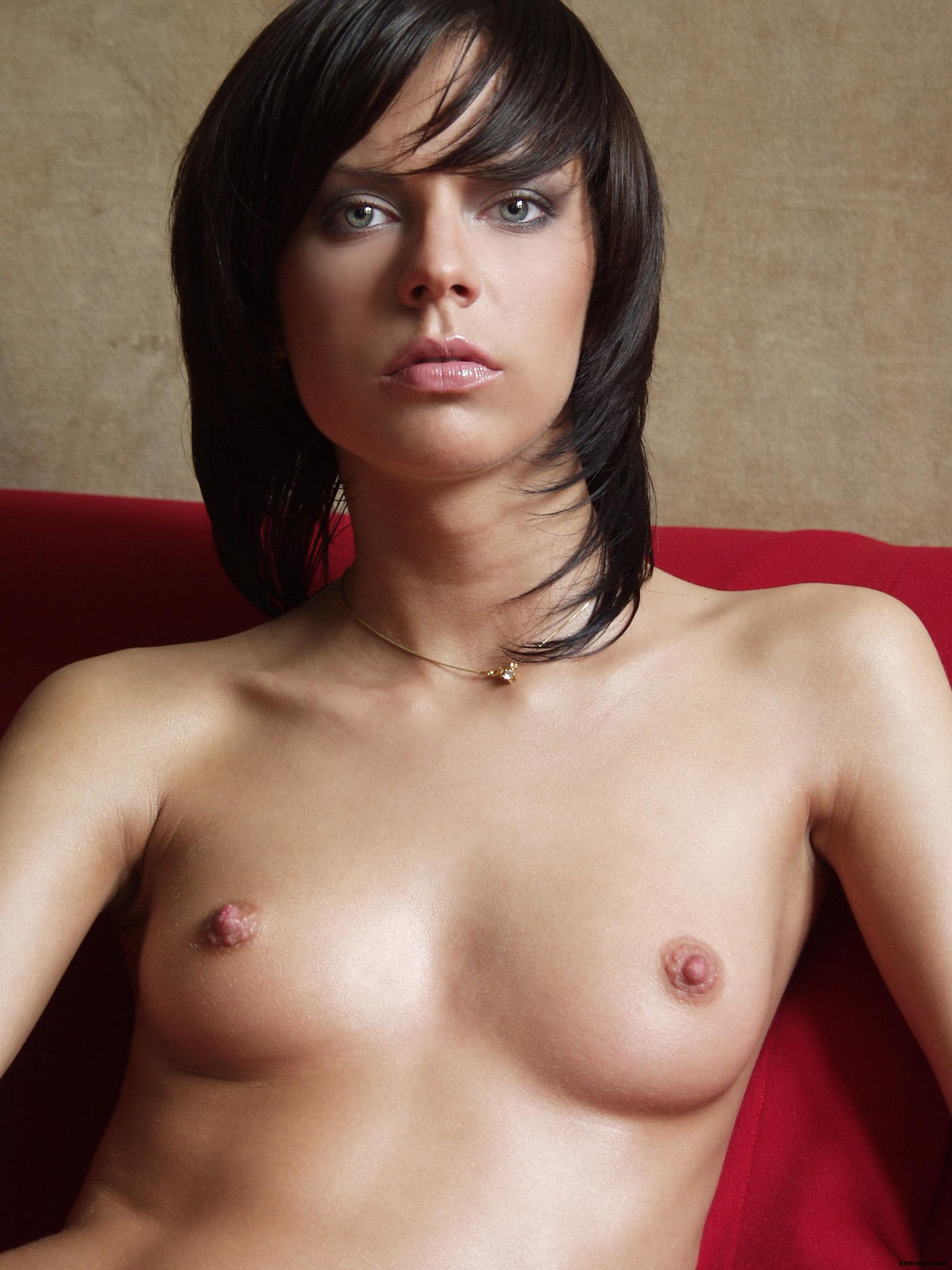 Плоская грудь голая96