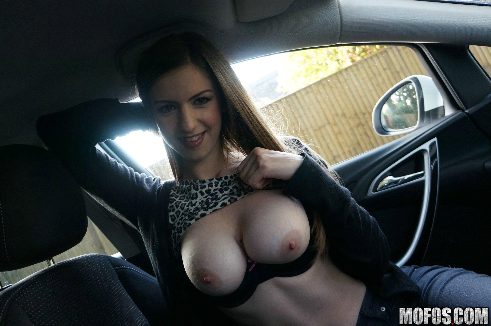Русское порно подвез на машине пьяную 6 фотография