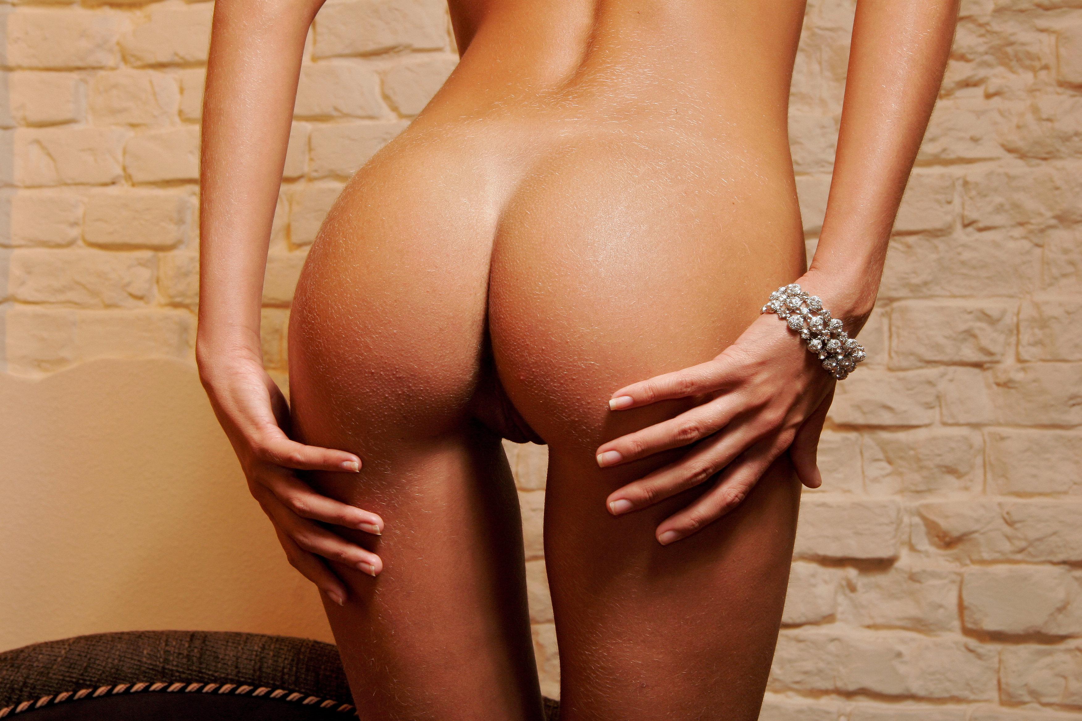 Фигуристые попки фото, Шикарные красотки получают огромные пенисы в свои 10 фотография