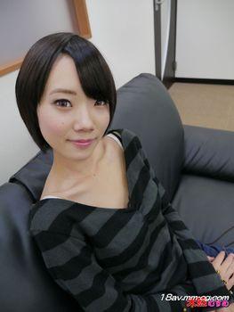 最新天然素人122314_01 清純美女聖誕老人角色扮演 岡田優子