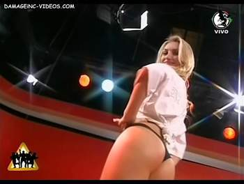 Sofia Macaggi booty in hot shorts video